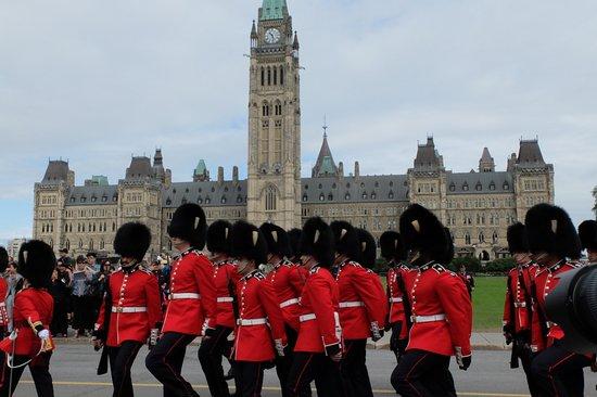 Ottawa, Canada: Aflossing van de wacht