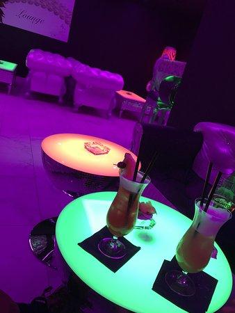 Cava Lounge