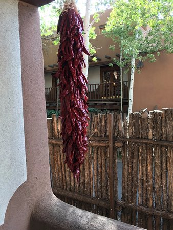 Inn on the Alameda: Peppers hanging on our private balcony