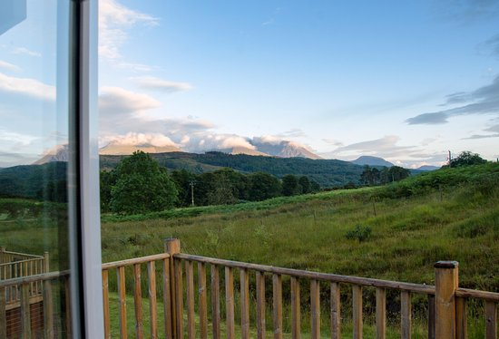 Lochaber Lodges: View of Ben Nevis from lounge.