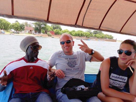 Mbour, Senegal: Jean-Pascal et Marshall en pirigue dans le delta du Saloum