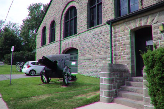 Brockville, Canada: A canon
