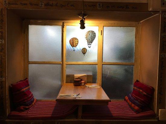 Table à la décoration péruvienne - Picture of Restaurant Boheme ...