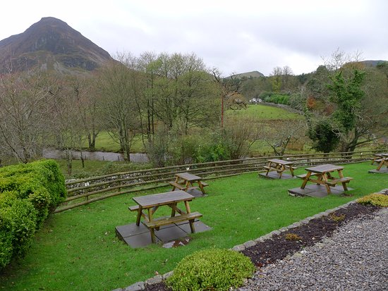 Loweswater, UK: The garden