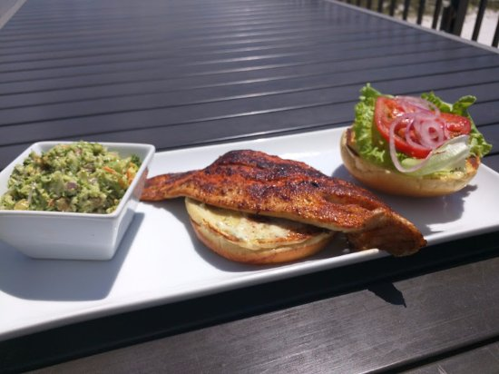 Beach House Bar & Grill: Fish of the day - Red Fish with Broccoli Slaw