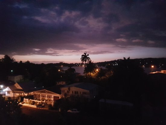 Ivanhoe's Guest House: Port Antonio 05:00 am