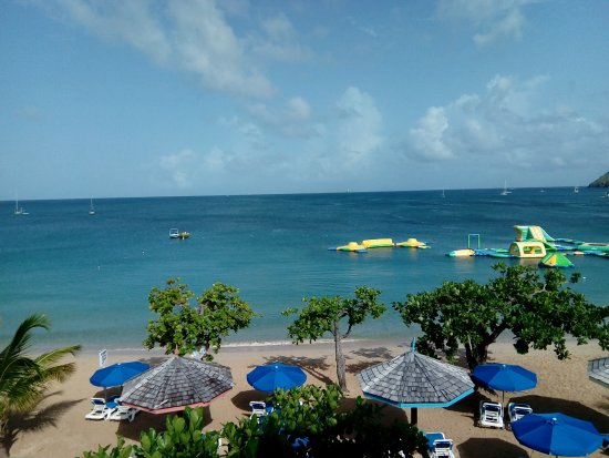 Bay Gardens Beach Resort: View from room after we moved
