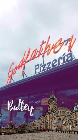 Batley, UK: Entrance.