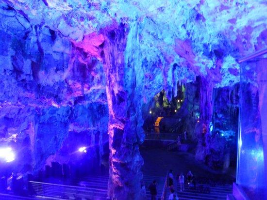 Foto de St. Michael's Cave