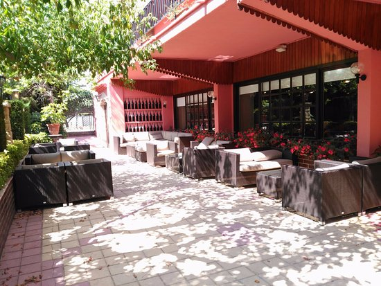 Вальс, Испания: La terraza donde tomamos el aperitivo
