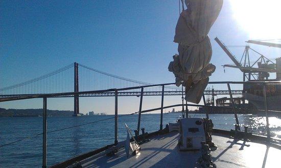 Halcyon I Lisbon Boat Tours: Sitting on the deck, enjoying canapes!
