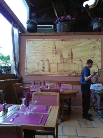 Tournus, فرنسا: Une des vues du restaurant