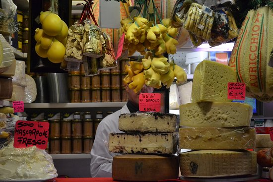 Noventa Padovana, Italien: Local Italian Cheeses in a old  Street market place