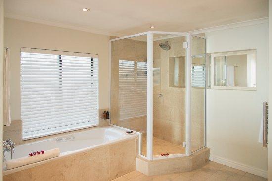 Kommetjie, Νότια Αφρική: Elegant Suite Bathroom