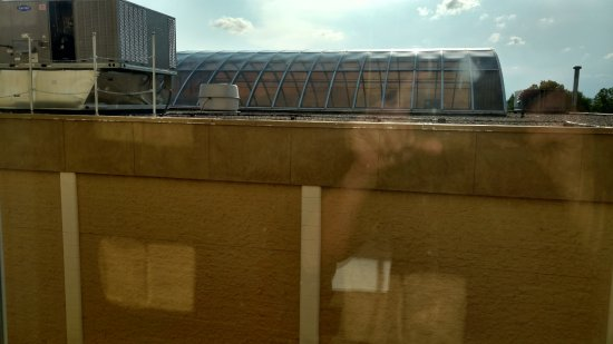 Sheraton Omaha Hotel: View out window