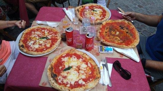 Pizzeria Vesi: pizza gommosa
