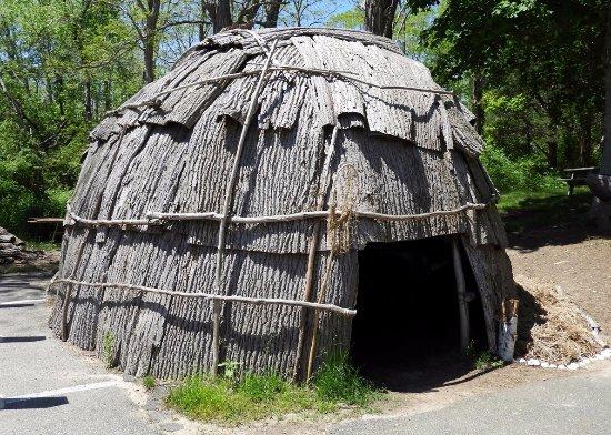 Mashpee, MA: The lodge replica.