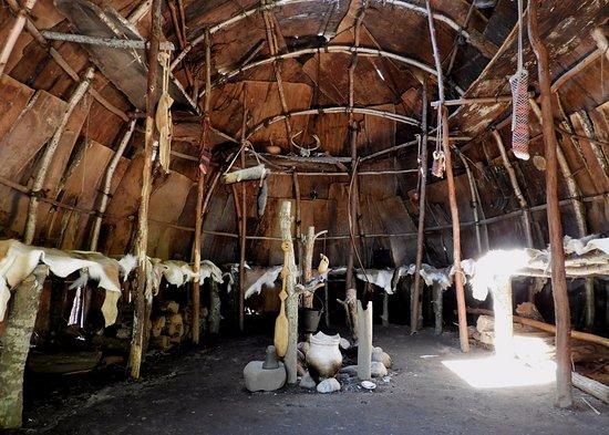 Mashpee, ماساتشوستس: Inside the lodge.  