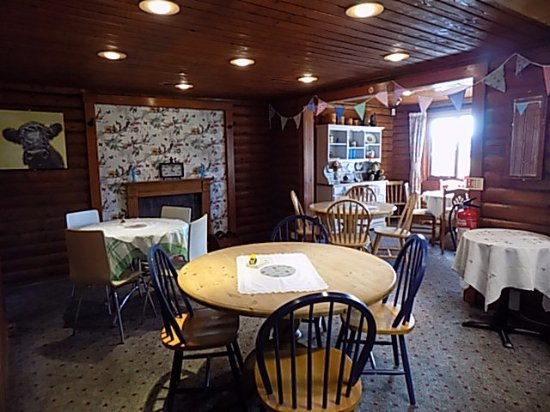 Dorchester, UK: Our vintage Tearoom waiting to serve you