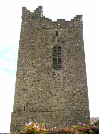 Trim, Irlanda: Imposing tower