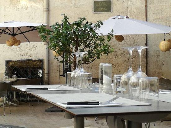 restaurant la place montpellier restaurant avis num ro. Black Bedroom Furniture Sets. Home Design Ideas