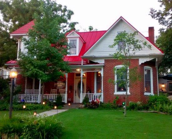 Hermann, MO: Historic Iron Horse Inn front view