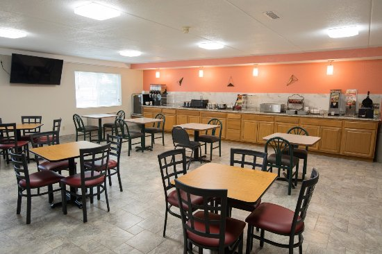 Indianola, IA: Breakfast area serving hot and fresh foods everyday!