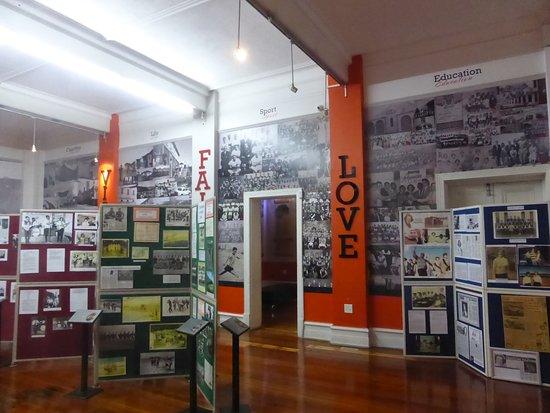 Port Elizabeth, Republika Południowej Afryki: one of the museum display rooms