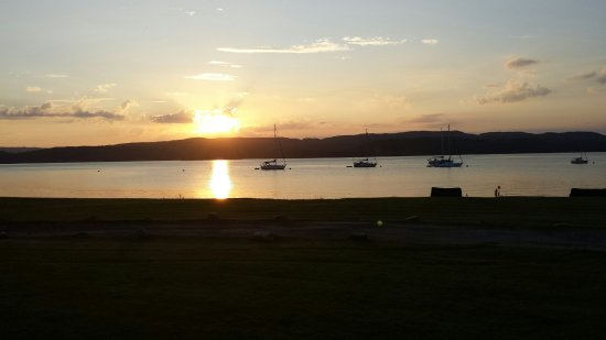 Tighnabruaich, UK: Sunset from the Oyster Catcher
