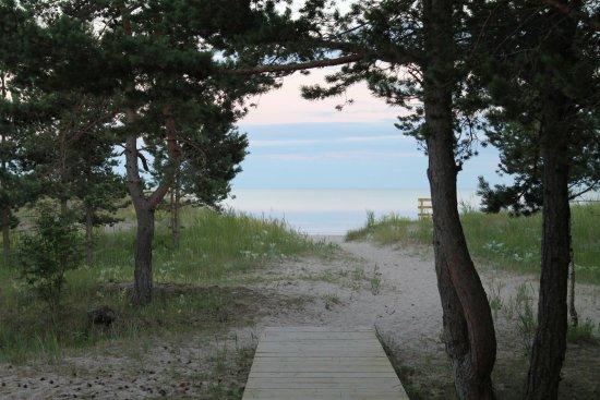 Kuressaare, Estonia: To the beach...