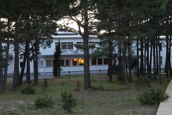 Kuressaare, Estonia: The hotel by night