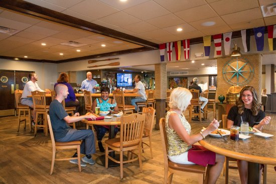 Crow's Nest Bar & Grille: The Crow's Nest Interior