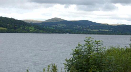 Llanuwchllyn, UK: Lake View From Train