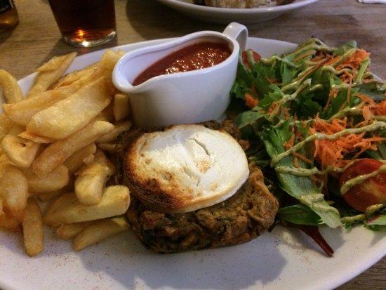 Hope, UK: Nut roast & sauce, chips & salad