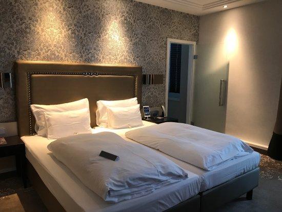 Steigenberger Hotel Drei Mohren: photo2.jpg