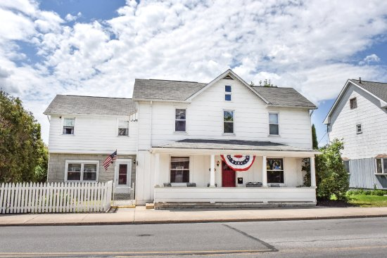 Portage, PA: Front of the Inn