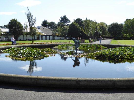 Lytham St Anne's, UK: Lowther Gardens Pond