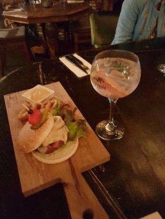 Kortenhoef, The Netherlands: Goede burger zeg !