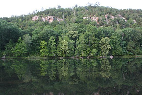 Beavers Bend Lodging: Mountain Fork River   Beavers Bend State Park