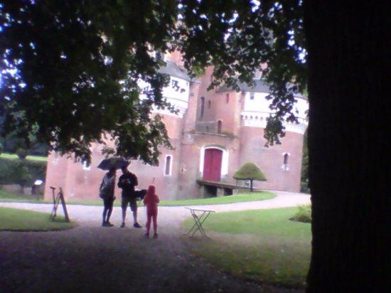 Chateau Fort de Rambures: le chateaux