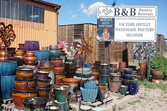 Always Azul Pottery: More stuff inside and the factory is next door