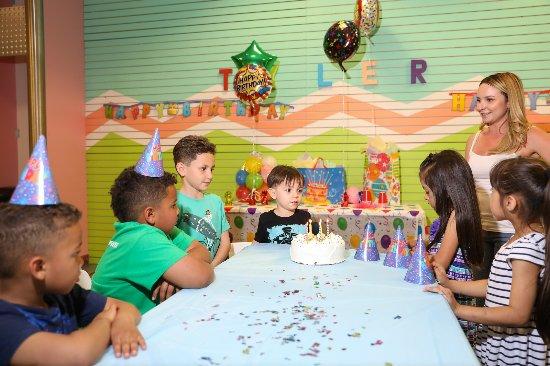 Aurora, CO: Birthday party