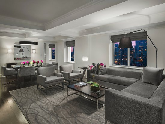 AKA Sutton Place: Penthouse Living Room