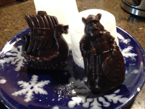 Geiranger Sjokolade : Viking and viking ship molded chocolate