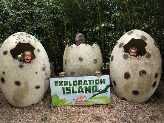 Dutch Wonderland: Exploration Island- lots of cool dinos!