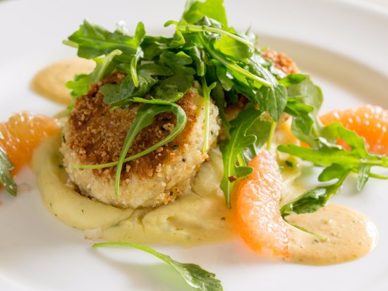 Radnor Hotel: Pan Seared Lump Crab Cakes at Glenmorgan