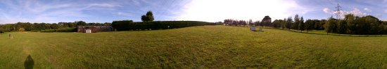 Staplecross, UK: het grote campingveld op dat moment geheel leeg.