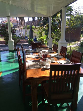 York Lodge: outdoor and indoor dining
