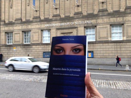 Castle Maol: ils ont mon roman (petit cadeau) dans la bibliothèque nationale