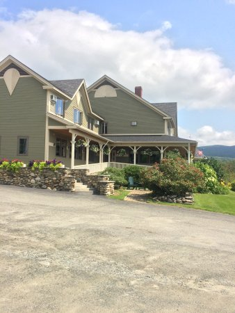 East Burke, VT: One of many lovely inns along the lake